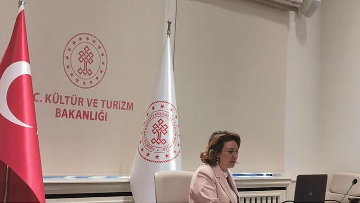 Kültür ve Turizm Bakanlığı, Çağdaş Sanatçıları Webinar'da Dinledi