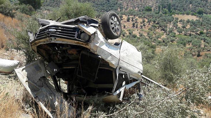 Muğla'da kamyonet şarampole devrildi: 2'si çocuk 5 yaralı
