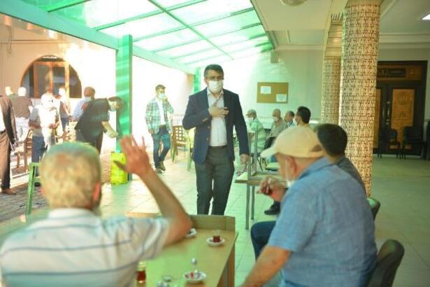 Yıldırım Belediye Başkanı Yılmaz, vatandaşlarla bayramlaştı