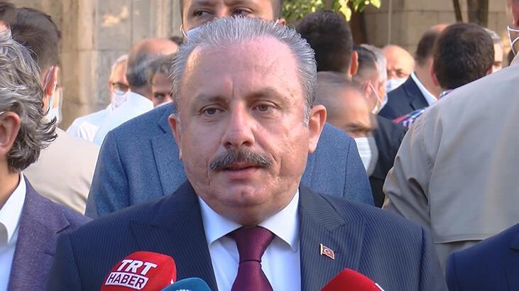 TBMM Başkanı Mustafa Şentop üs bölgesindeki askerlerin bayramını kutladı