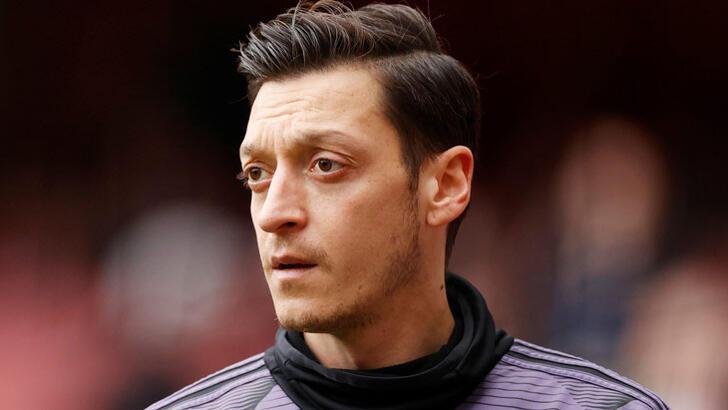 Arsenal, Mesut Özil'i gözden çıkardı! Türkiye için izin...