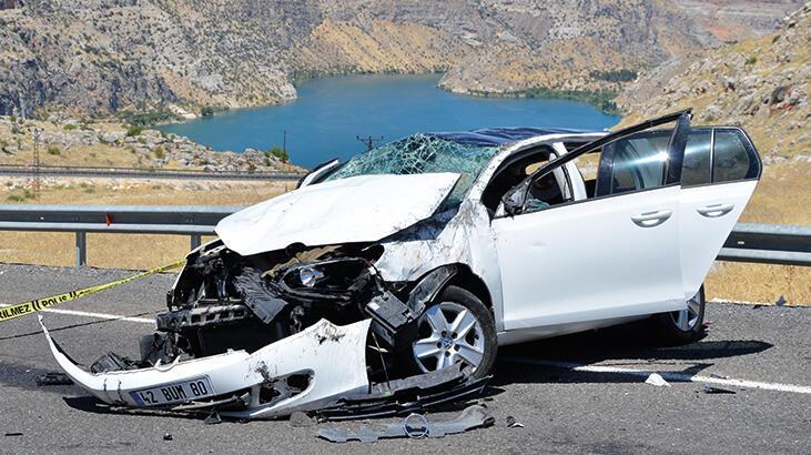 Şanlıurfa'da otomobil takla attı! Ölü ve yaralılar var
