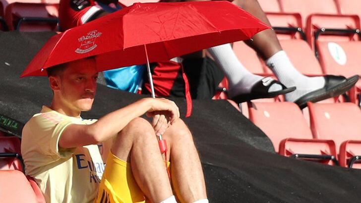 Arsenal'de Mesut Özil belirsizliği!