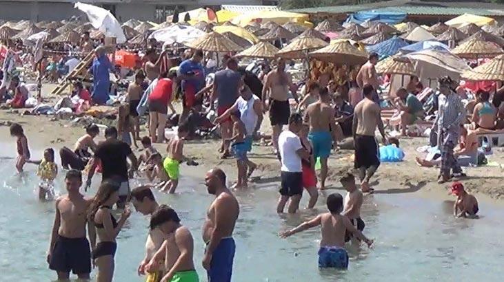 Plajlarda sosyal mesafe unutuldu! Boş yer kalmadı