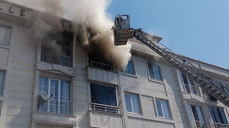 Son dakika! Esenyurt'ta 4 katlı binada yangın