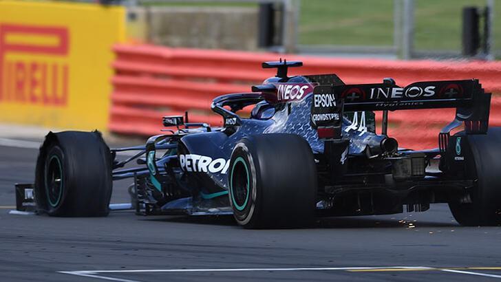 Formula 1'de Hamilton yarışı patlak lastikle kazandı!