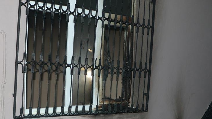 Adana'da bir ev kimliği belirsiz kişiler tarafından kundaklandı