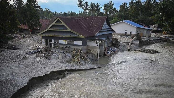 Endonezya'da 22 binden fazla kişi selden etkilendi
