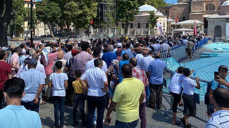Ayasofya Camii'ne ziyaretçi akını!