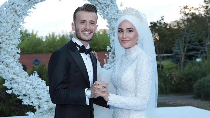Abdulkadir Parmak, Merve Bozali ile evlendi!