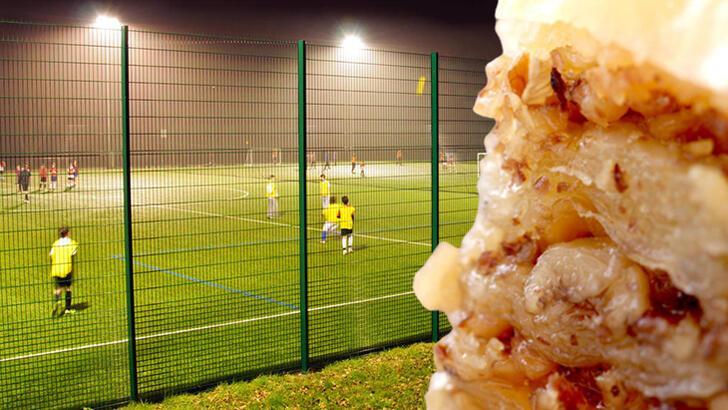 Halı saha maçı sonrası sakın baklava yemeyin! Sebebi...