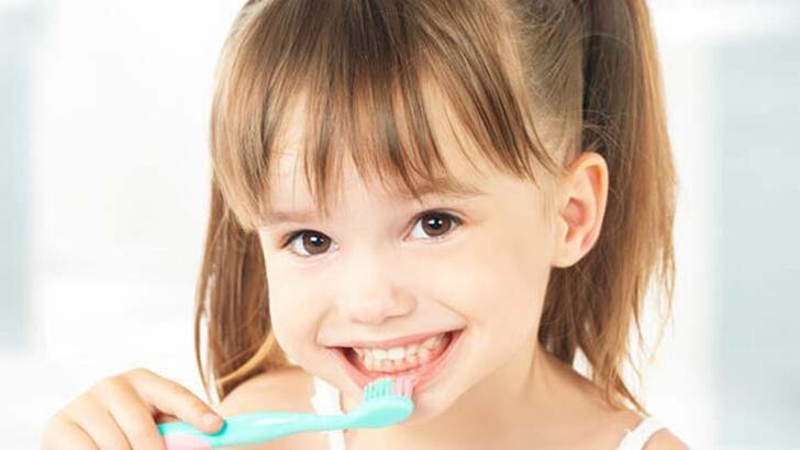 Çocukları dişlerini fırçalamaya teşvik etmenin etkili yolları