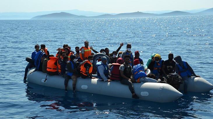 Ayvalık'ta 74 göçmen kurtarıldı
