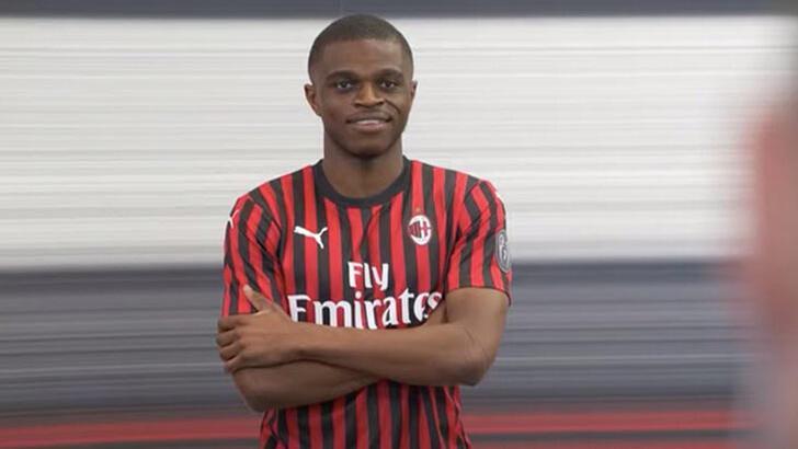 Milan, Lyon'dan Kalulu'yu transfer etti!