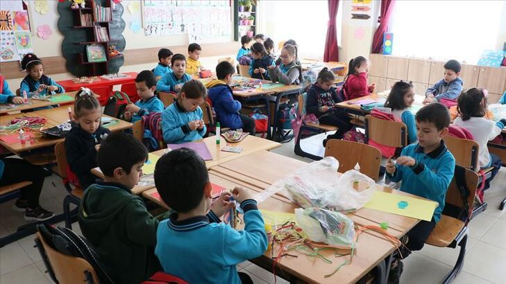 Son dakika! 'Okullar açılmalı mı?' sorusuna Bakan Selçuk'tan cevap!