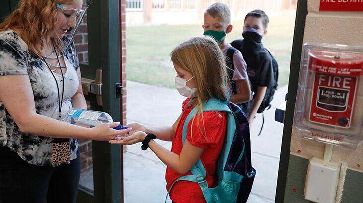 Korkutan uyarı: Koronavirüs okullarda çok hızlı yayılabilir