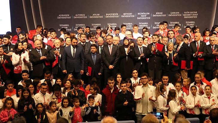 Bakan Kasapoğlu'ndan milli sporculara önemli hatırlatma
