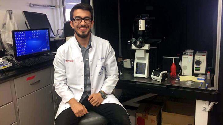Tıp öğrencisi Enis Çağatay Yılmaz'dan gururlandıran başarı