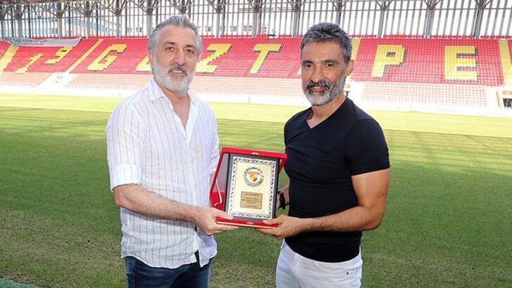 Göztepe'de kaleci antrenörü Suat Arıcan ile yollar ayrıldı!