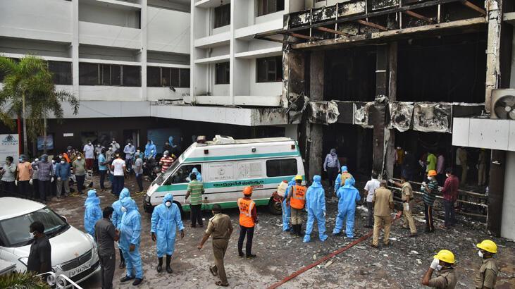 Hindistan'da koronavirüs otelinde yangın faciaya yol açtı