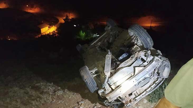 Gaziantep'te otomobil uçurumdan yuvarlanırken, kapıyı açıp yola atladı