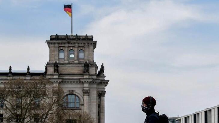 Almanya'da koronavirüs kısıtlamaları 2021 ilkbahara kadar sürebilir