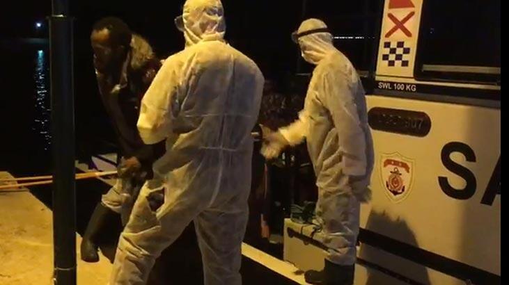 Balıkesir'de Türk kara sularına itilen 31 sığınmacı kurtarıldı