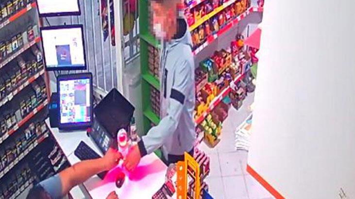 Babasına ait marketleri silah zoruyla soydu! Cezaevine gönderildi