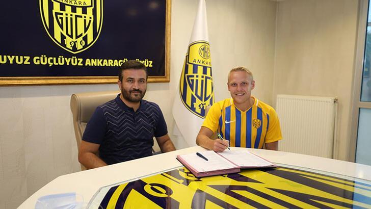 MKE Ankaragücü, Daniel Lukasik'in bonservisini aldı