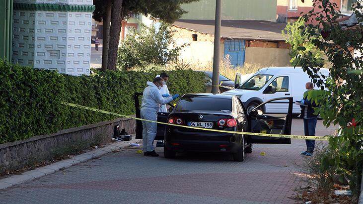 Aracın içinde öldürüldü!