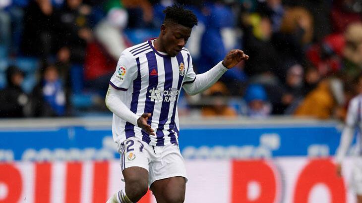Southampton, Ganalı futbolcu Salisu'yu transfer etti