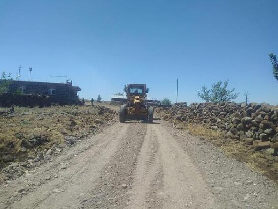Bağlar Belediyesi'nin kırsal mahallere hizmeti sürüyor