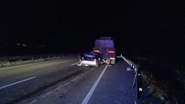 Kayseri'de feci kaza! 2 ölü, 1 yaralı