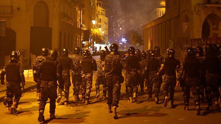 Beyrut'ta 15 gün olağanüstü hal ilan edildi