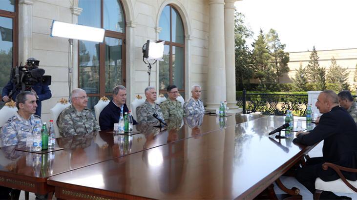 Bakan Akar ve Azerbaycan Cumhurbaşkanı Aliyev'den 'iş birliği' vurgusu