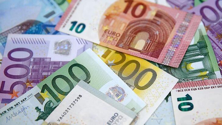 Euro Bölgesi'nde yıllık enflasyon sıfırın altına düştü