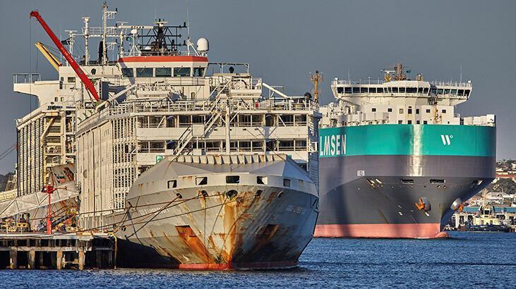 Japonya'da 43 mürettebatlı yük gemisi kayboldu