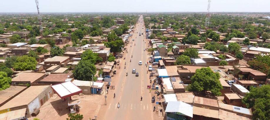 Burkina Faso Hakkında Bilgiler; Burkina Faso Bayrağı Anlamı, 2020 Nüfusu, Başkenti, Para Birimi Ve  Saat Farkı