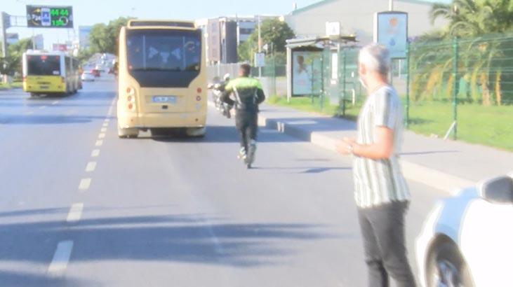 Bakırköy'de fazla yolcu taşıyan minibüsçü polisten kaçtı!