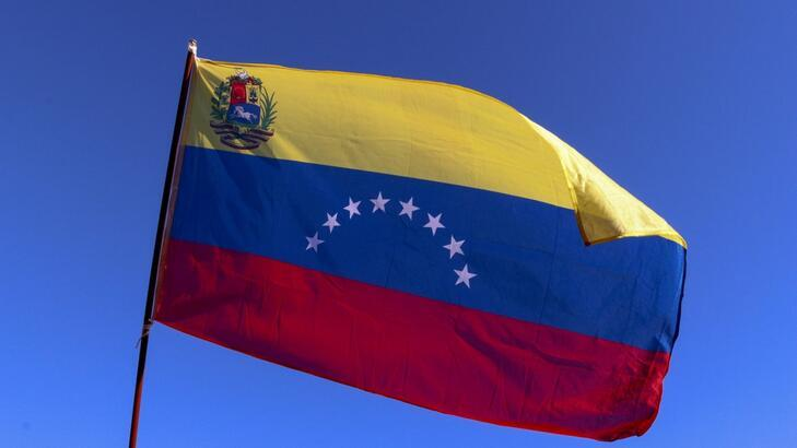Venezuela Hakkında Bilgiler; Venezuela Bayrağı Anlamı, 2020 Nüfusu, Başkenti, Para Birimi Ve Saat Farkı