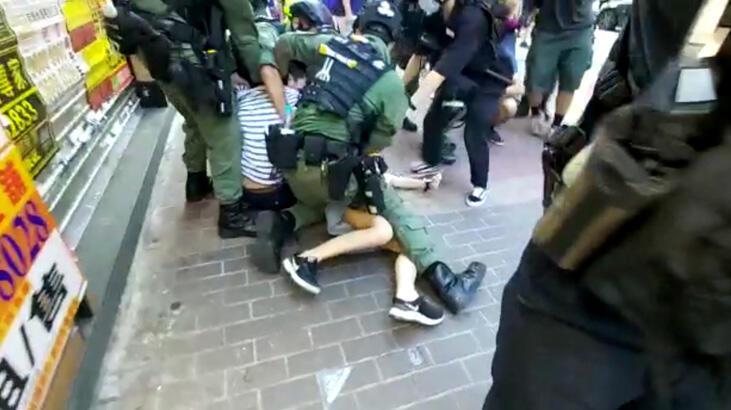 Hong Kong'ta 12 yaşında bir çocuğun gözaltına alınması tepkilere sebep oldu