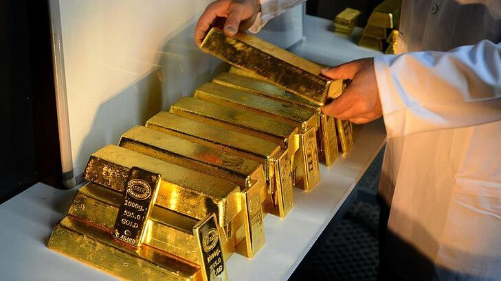 Güçlenen dolar altın fiyatlarını da aşağı çekti