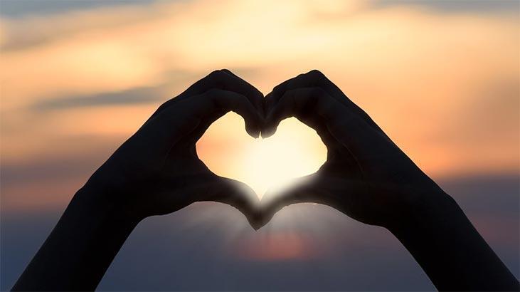 Falda Kalp Görmek Ne Demek? Kahve Falında Kalp Şekli Çıkması Ne Anlama Gelir?