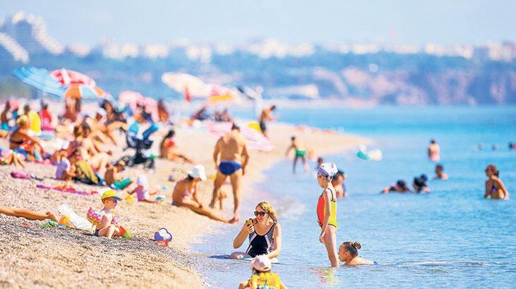 Antalya'ya 2 milyona yakın turist geldi