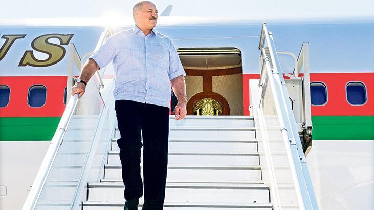 Lukaşenko ilk kez ülke dışına çıktı