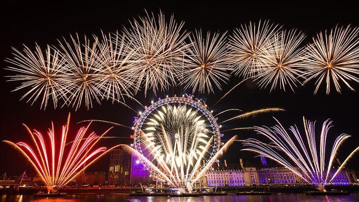 Londra'da koronavirüs nedeniyle yeni yıl etkinlikleri iptal edildi