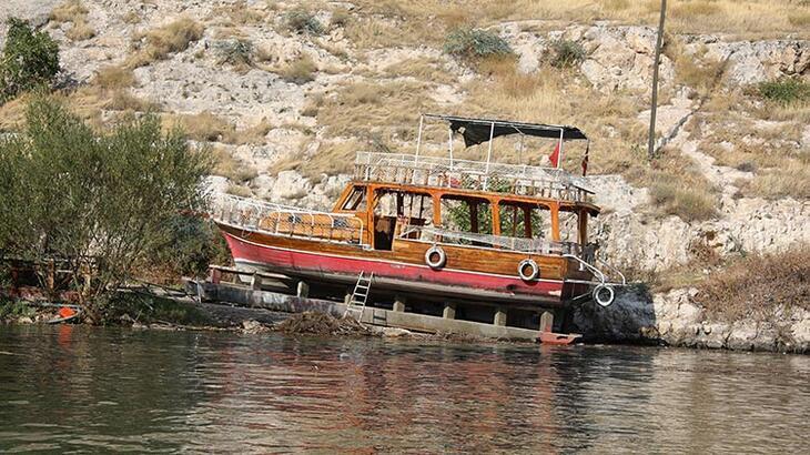 29 kişinin ölümden döndüğü teknenin havalandırma kanallarının su aldığı iddia edildi