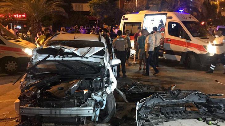 Adana'da zincirleme kaza! 6 yaralı var