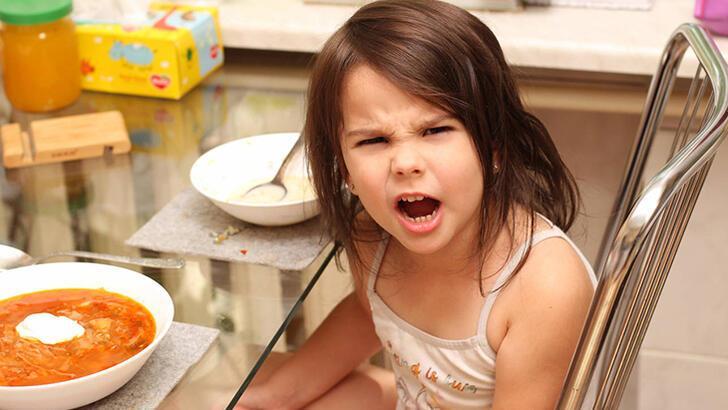 Yemek yemeyen çocuğa nasıl davranmalı?