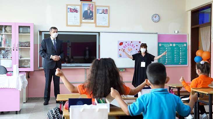 Bakan Selçuk'tan okullara ziyaret